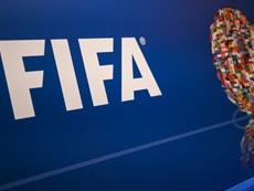 La FIFA podría unir los dos mercados. AFP