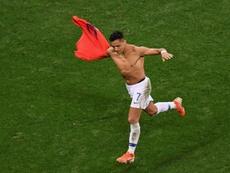 Godín espera celebrar goles de Alexis. AFP