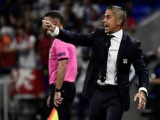 Sylvinho s'exprime après la défaite. AFP
