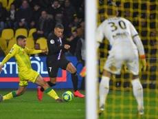 Mbappé dio la asistencia del primer gol tras un jugadón. AFP