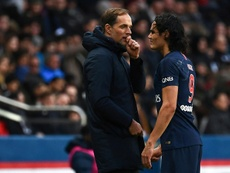 Tuchel sigue defendiendo a Cavani. AFP