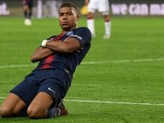 Mbappé, que busca la Bota de Oro, ya le metió cuatro al Lyon. AFP