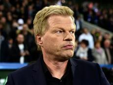Kahn no dudó en atizar al polaco. AFP