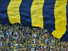 El Akhisar Belediyespor consiguió derrotar al Fenerbahçe por 1-0. AFP
