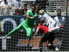 Sergio Romero, sin Champions ni Premier. AFP