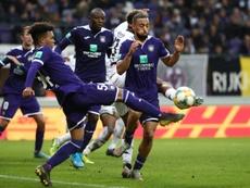 Bélgica prohíbe el público en el deporte profesional. AFP