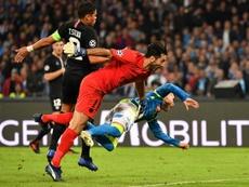 Buffon ve como un reto enfrentarse al que considera el mejor tridente del momento. AFP