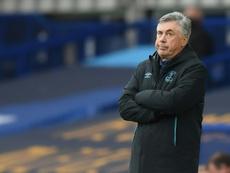 Ancelotti dudó de la roja a Digne. AFP