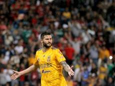 Gignac pidió perdón a Veracruz y aclaró que no quiso marcar. AFP