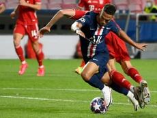 Bad news for PSG: Kehrer tests positive for COVID-19. AFP