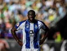 Oporto y Benfica logran su billete a octavos. AFP