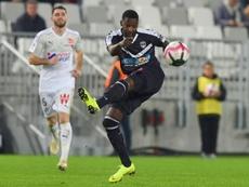 El centrocampista africano buscará un nuevo club. AFP