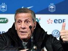 El técnico de la 'Celeste' habló de la derrota ante Francia. AFP