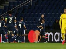 Outros jogadores do PSG deixam Paris e voltam aos seus países. AFP