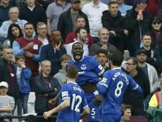 Zouma y Bernard anotaron los dos goles del Everton. AFP