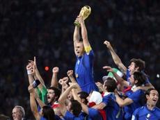 El capitán de Italia habló de la anécdota con la copa del mundo. AFP