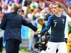 Deschamps ya sentó a Griezmann en el debut francés en la Eurocopa de hace dos años. AFP