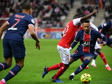 A Tuchel no le gustó el partido de Neymar. AFP
