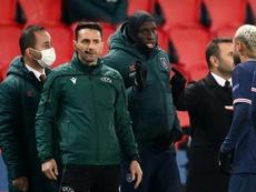El cuarto árbitro del PSG-Istanbul Basaksehir volvió a pitar. AFP