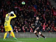 El fútbol francés podría acabar la temporada el 31 de agosto. AFP