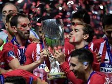 El Atlético ganó su tercera Supercopa. AFP