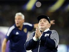 Maradona se bajará el salario por la crisis del COVID-19.  AFP