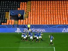 Atalanta entra em quarentena após positivos no Valência. AFP