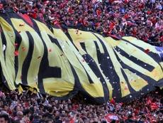 En el Atlético niegan que se excediera el aforo permitido. AFP