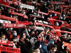 La UEFA abre un expediente al Rennes porque el público no respetó las distancias. AFP