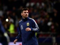 Messi se marchó lesionado. AFP