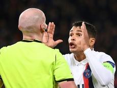 Thiago Silva quer renovar, mas PSG não. AFP