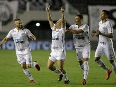 Pinchazos de Palmeiras y Santos antes de la finalísima. AFP