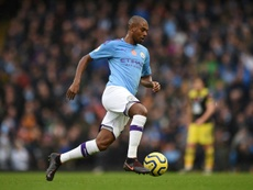 Fernandinho joga hoje seu jogo número 300 com o City. AFP