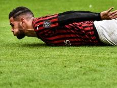 Theo, como un avión en el Milan. AFP