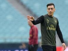 Özil fica em Londres. AFP