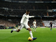 El United va a por Varane y el Madrid le para los pies. AFP