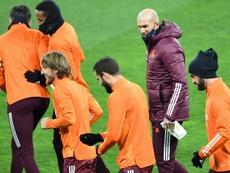 Zidane vuelve a estar cuestionado tras la derrota en Kiev. AFP