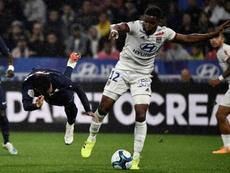 Thiago Mendes falou sobre o modo de marcar Neymar. AFP