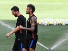 Messi sonha em ter a companhia de Neymar outra vez. AFP