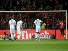 El penalti del empate, transformado por Pépé. AFP