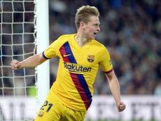 De Jong por fin marcó con el Barcelona en Sevilla. AFP