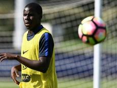Zouma llega cedido al Everton. AFP