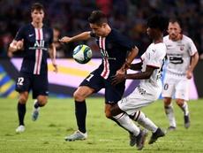 Ander Herrera demostró su don de idiomas al alabar a Neymar. AFP