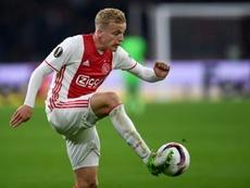 Van de Beek, lesionado, será baja en Europa. AFP