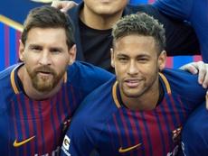 Neymar quiere volver a jugar junto a Messi. AFP