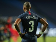 Kimpembe no quiso escurrir el bulto tras caer ante el United. AFP/Archivo