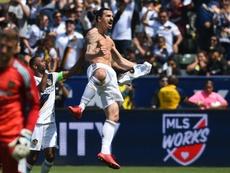 Ibrahimovic brilló en su debut. AFP