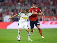 Thorgan Hazard (i) tiene contrato con el Monchengladbach hasta 2020. AFP