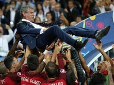 Fernando Santos acredita nas chances de Portugal na Euro. AFP