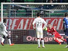 Fallou Diagne, défenseur du Stade Rennais, transforme un penalty face à Troyes. AFP